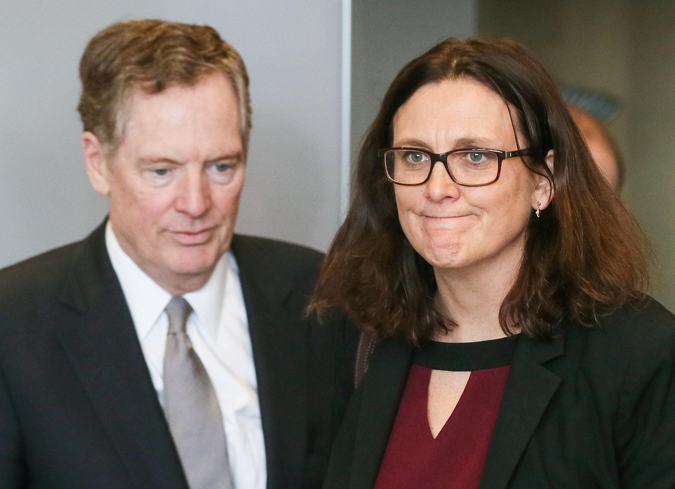 U.S. Trade Representative Robert Lighthizer and European Trade Commissioner Cecilia Malmstrom take part in a meeting to discuss steel overcapacity, in Brussels, Belgium March 10, 2018. Stephanie Lecocq/Pool