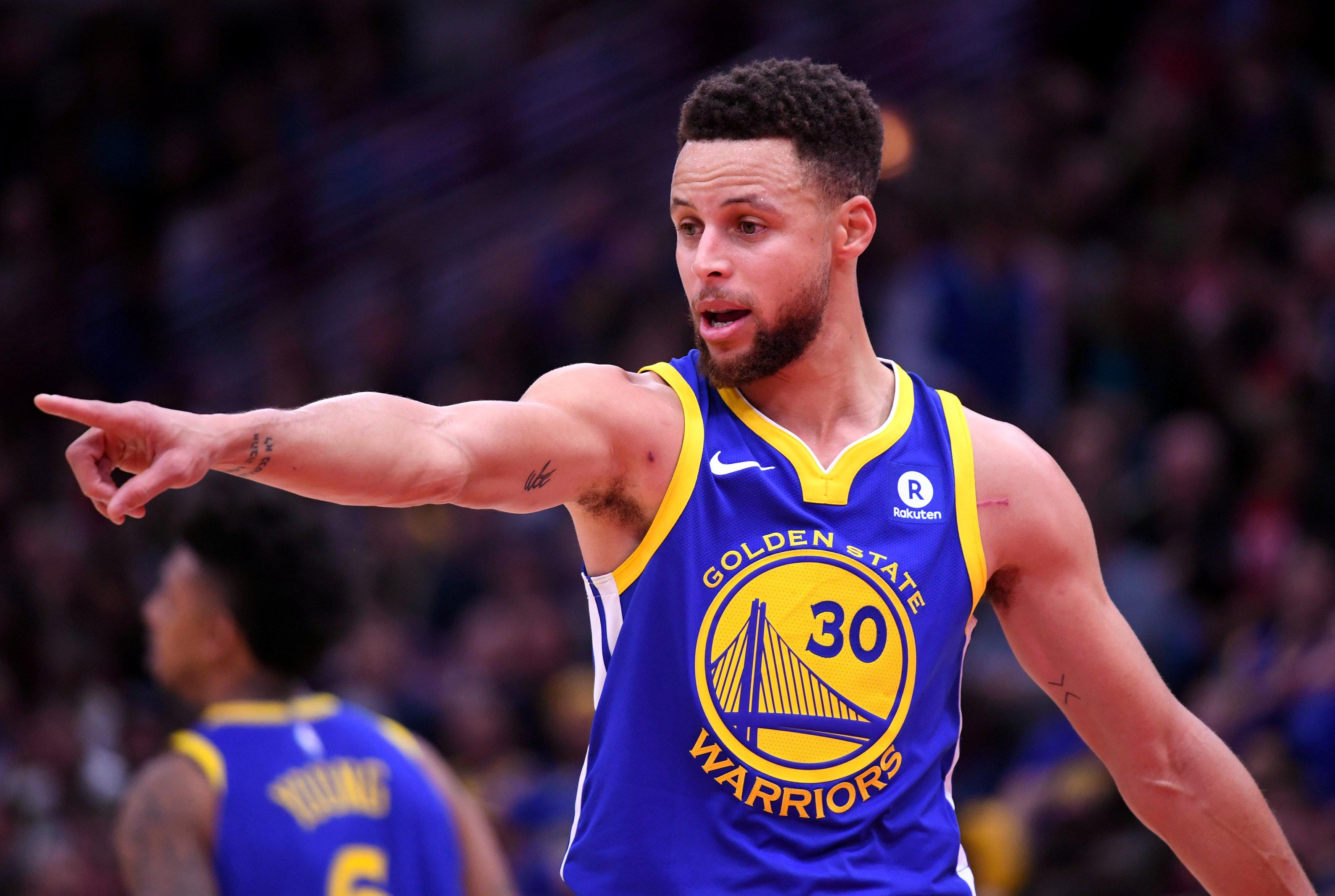 Golden State Warriors guard Stephen Curry, reacts during the first half against the Chicago Bulls at the United Center in Chicago, Illinois, U.S., January 17, 2018.   Mandatory Credit: Mike DiNovo-USA TODAY Sports