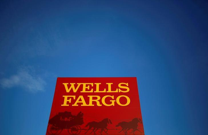 A Wells Fargo branch is seen in the Chicago suburb of Evanston, Illinois, U.S. February 10, 2015. Jim Young