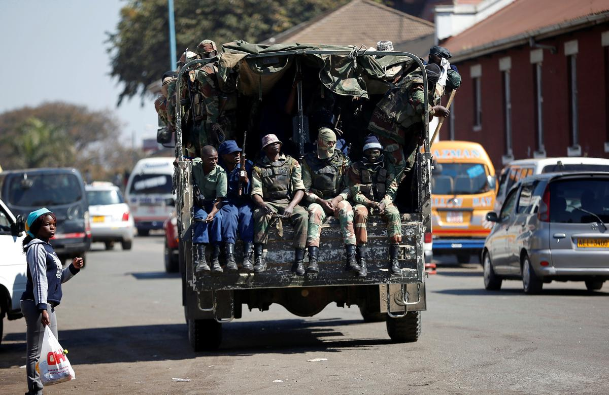 Zimbabwe president's spokesman says no order issued by army to clear capital