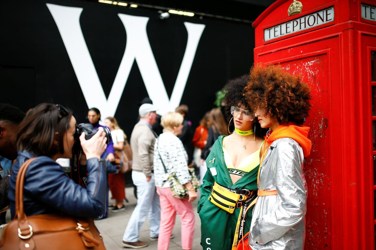 London goes fur-free as kicks off its leg of fashion week shows