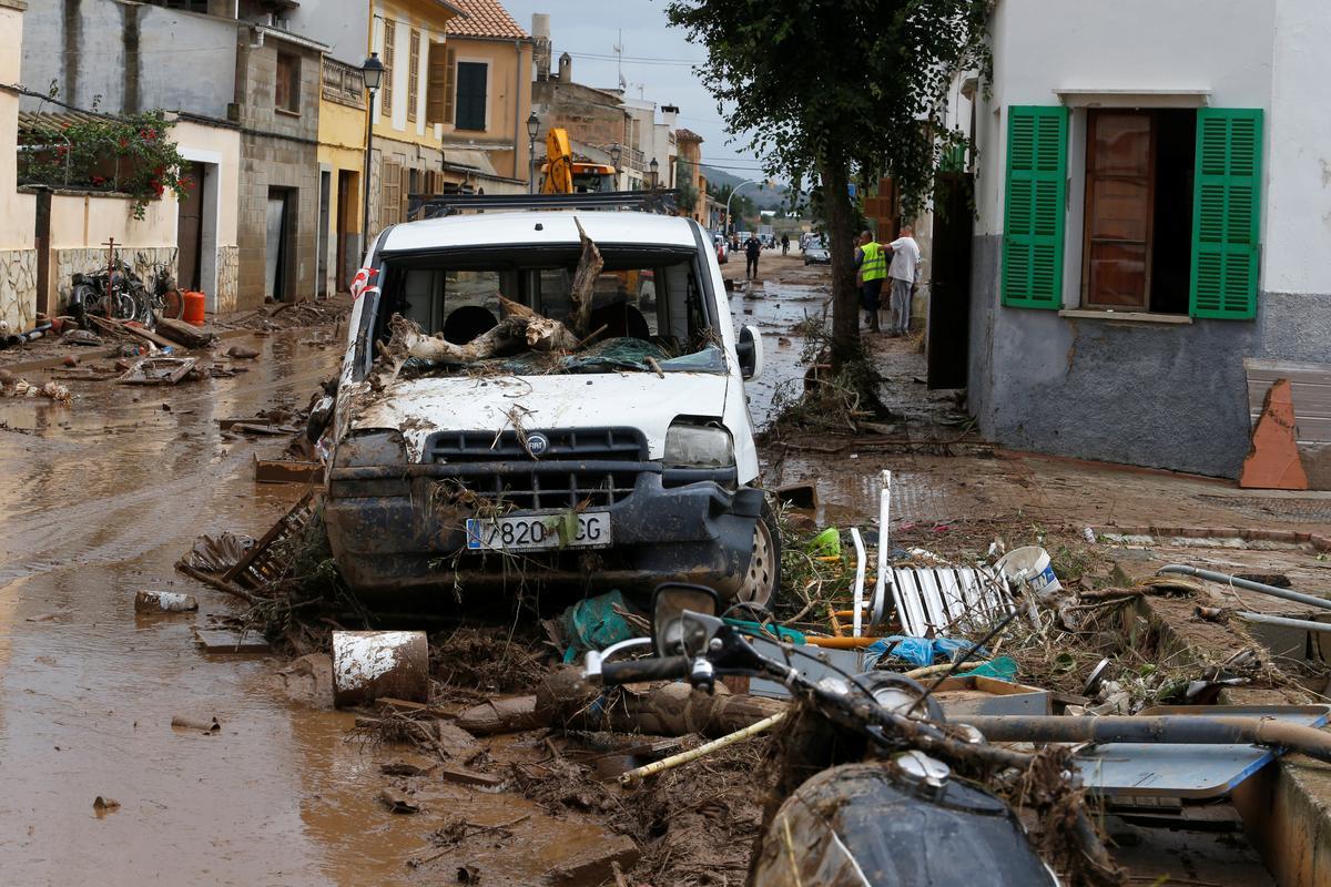 Floods kill at least nine on the Spanish island of Mallorca
