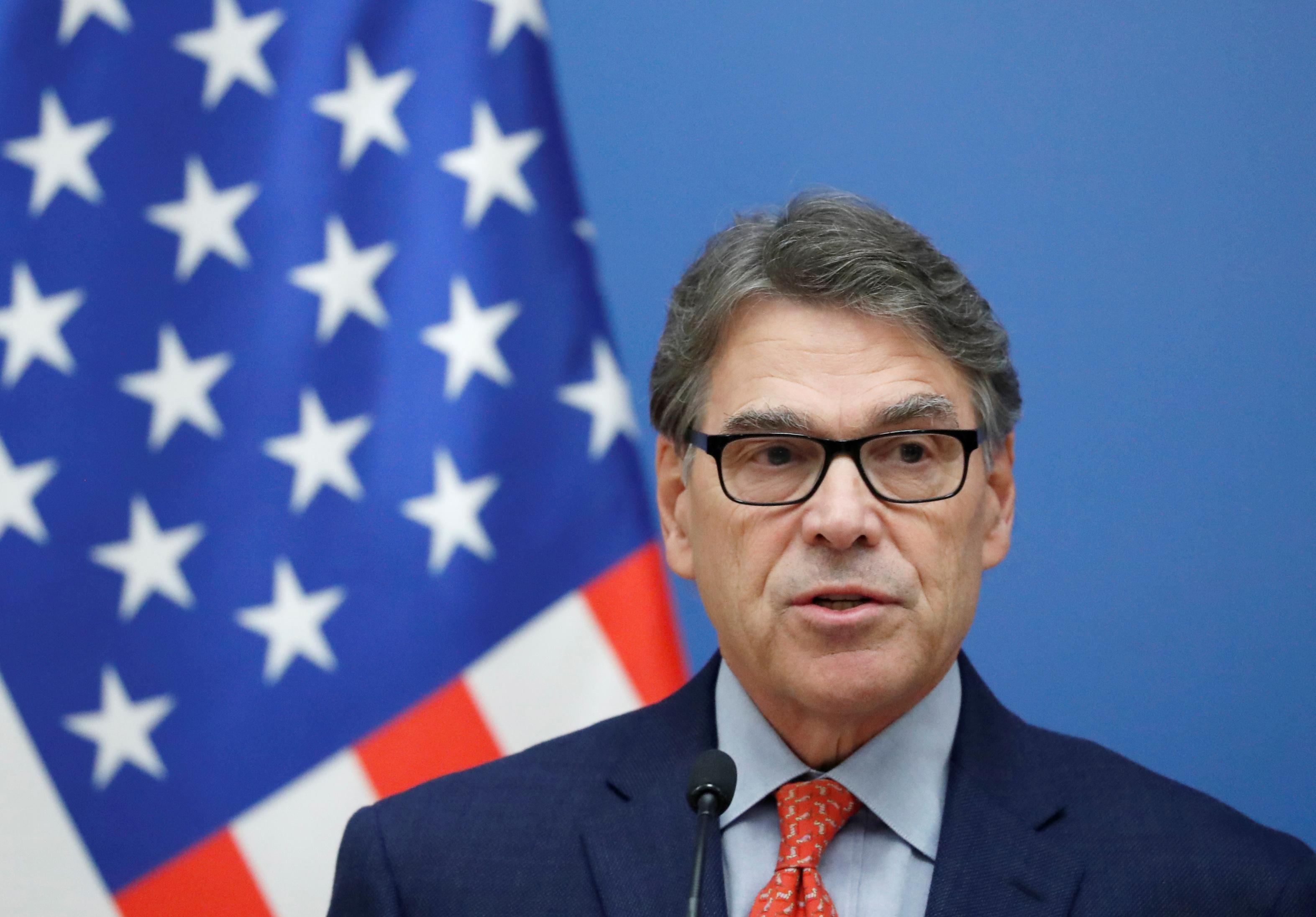 美国能源部长佩里表示,石油供应波动对世界经济不利