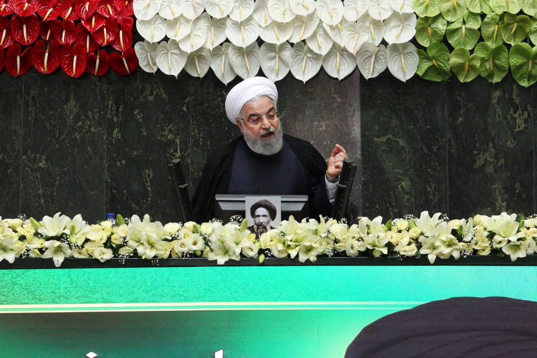 Festa de casamento iraniana alimentou novo surto de COVID-19, diz o presidente Rouhani