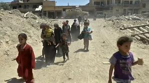 Hundreds of civilians free to leave Mosul