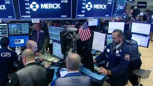 S&P snaps losing streak