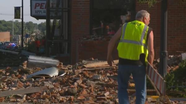 Multiple tornadoes rip through Iowa