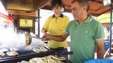 ドルを売ったらサンドイッチ無料、トルコで反米運動広がる(字幕・16日)