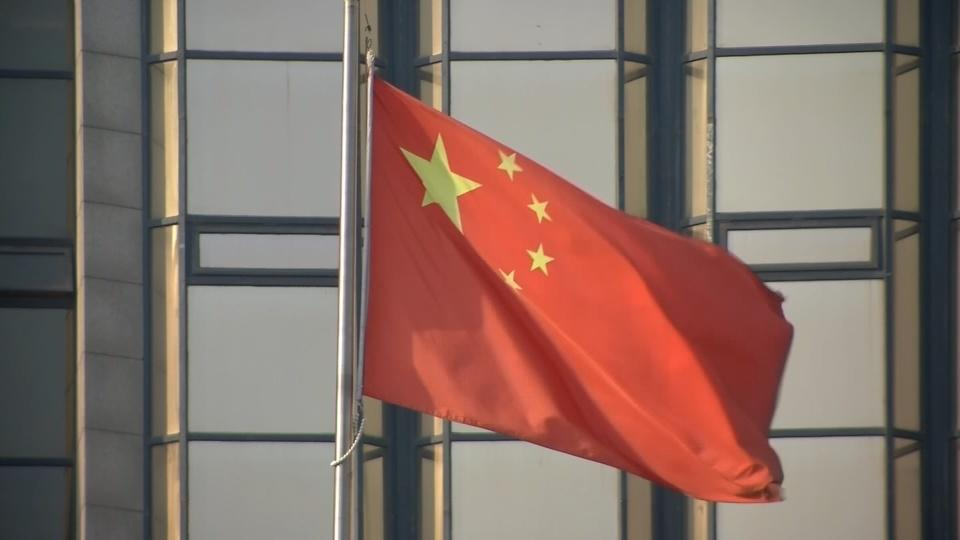 China's economic growth hits weakest pace since 2009