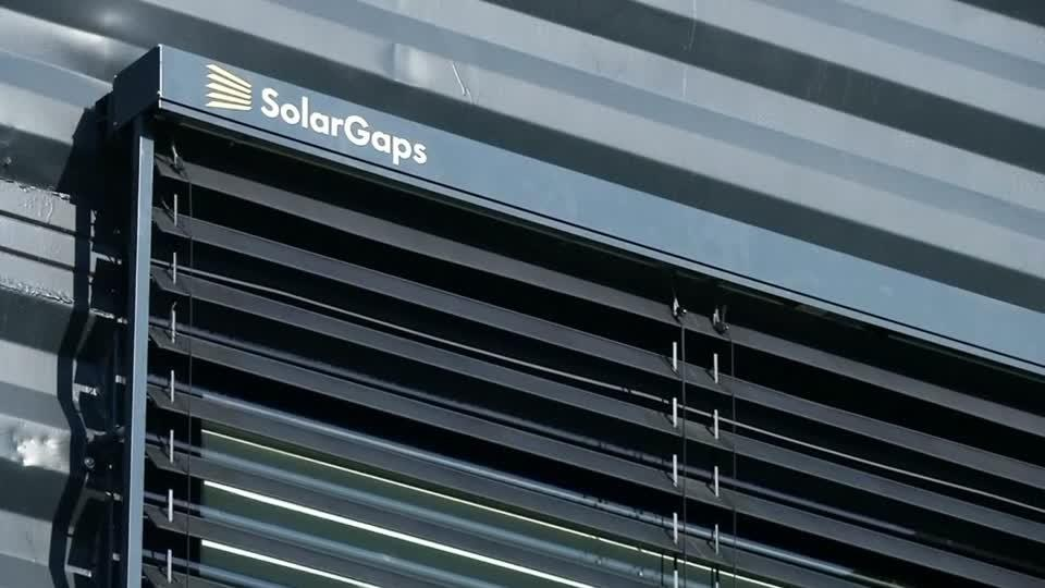 Blinds harness the sun's energy to double as solar panels