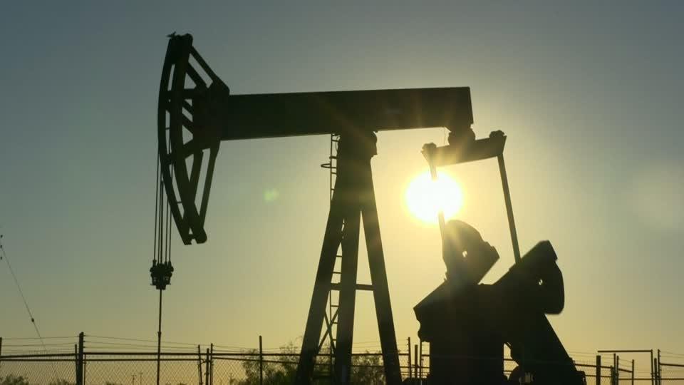Oil prices tumble