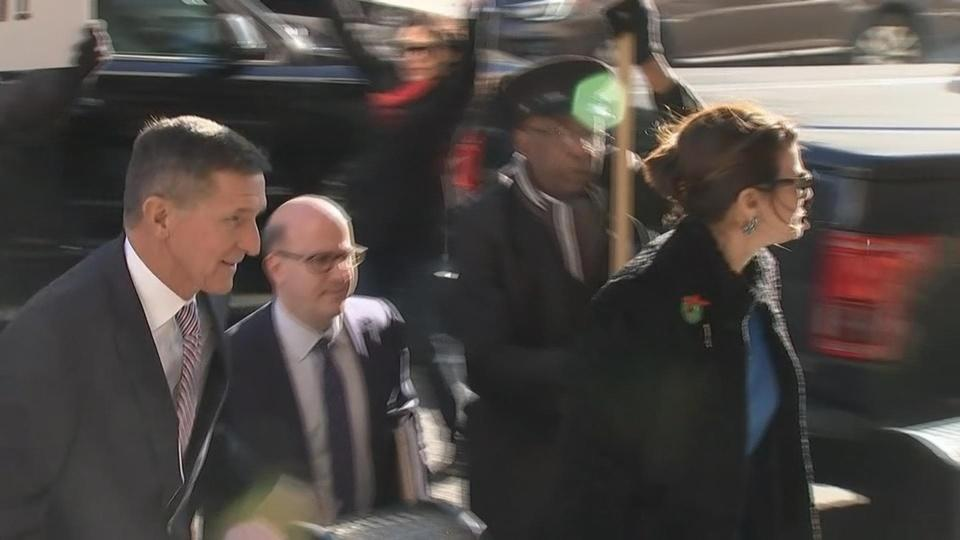 Flynn serenaded as he arrives for sentencing