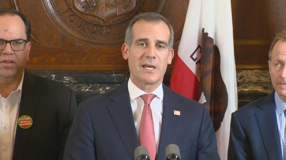 LA teachers reach pending agreement: Mayor
