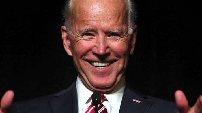 バイデン氏が米大統領選に出馬表明、最有力候補に死角はあるか(字幕・25日)
