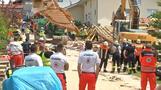 Eingestürztes Haus - Eine Frau konnte geborgen werden