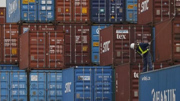 Trump chides Japan over trade imbalance