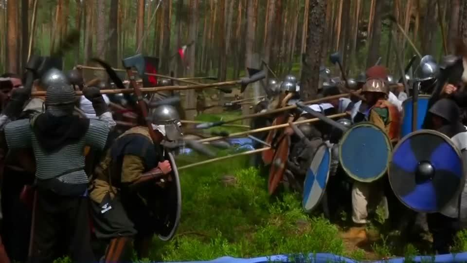 Tolkien fans fight in bloodless battle in Czech forest