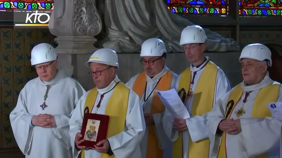 Worshippers in hard hats attend Notre-Dame's first mass since fire