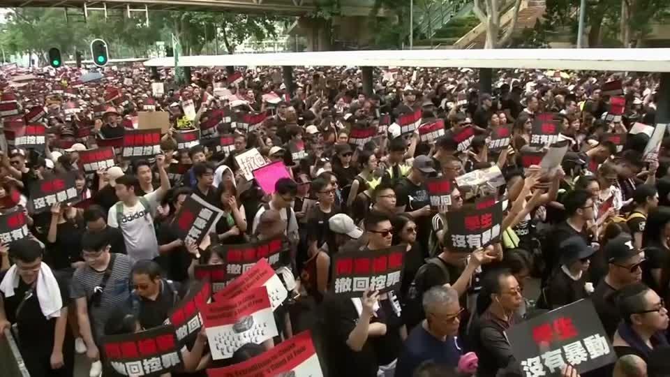 Hong Kong protesters demand leader step down