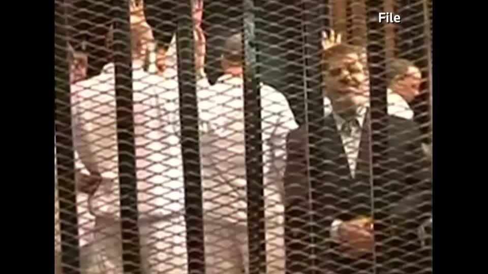 Former Egyptian leader Mursi dies in court