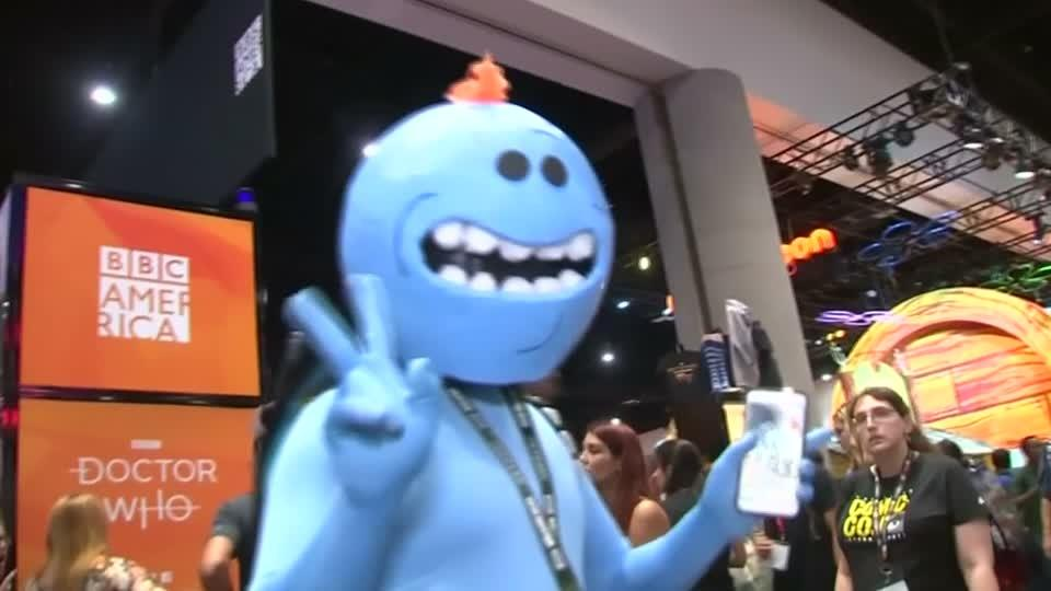 Cosplay highlights as Comic-Con opens