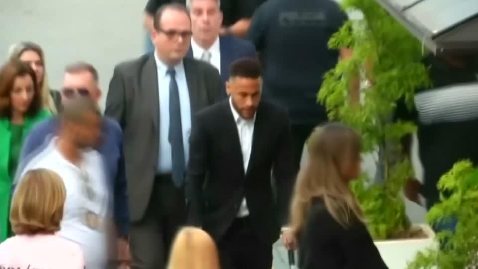 Prosecutors to drop rape charges against Neymar