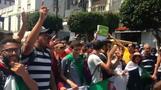 مئات الطلاب يتظاهرون للمطالبة بالتغيير في الجزائر