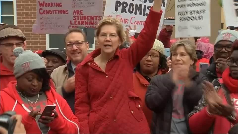 Warren rallies with Chicago teachers