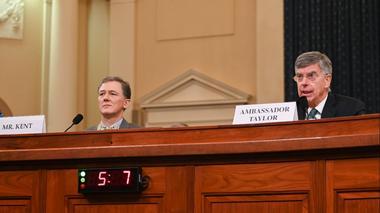 川普弹劾调查进入公开听证阶段 美驻乌克兰外交官作证