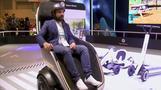 まるで「走る椅子」、座って乗れるセグウェイ公開 2021年発売へ(字幕・16日)
