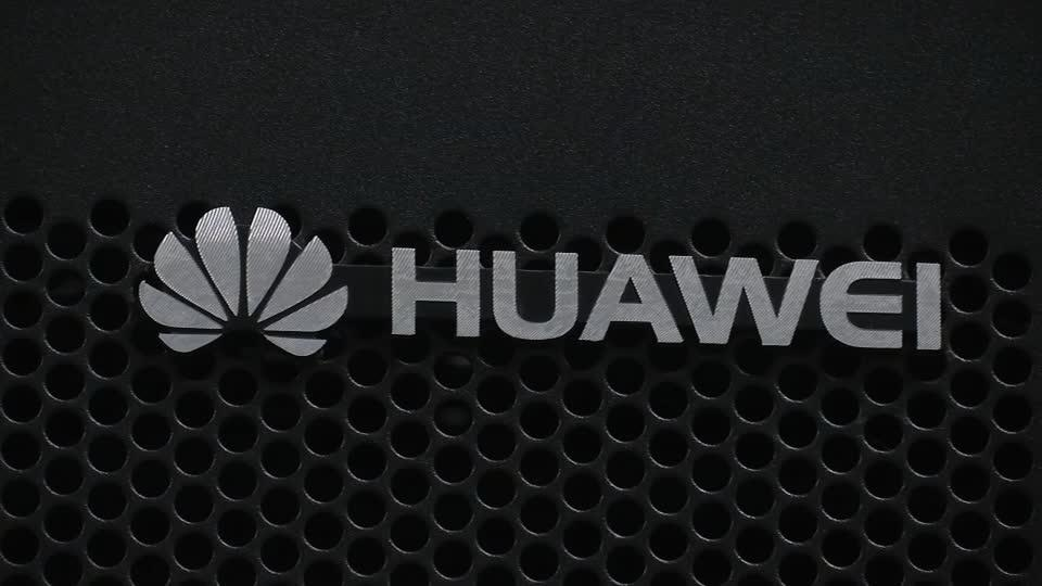 UK grants Huawei a limited 5G role, defying U.S.