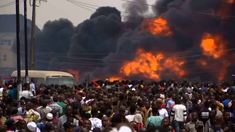 Deaths and destroyed buildings in Lagos pipeline blast