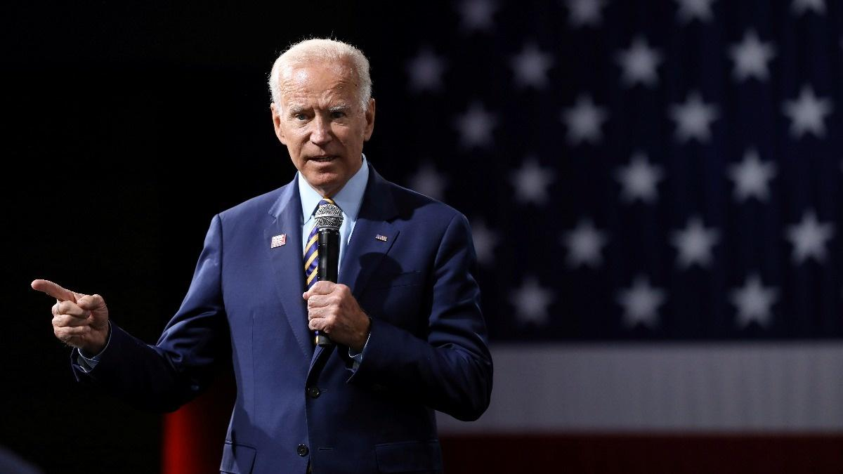 Pelosi endorses Joe Biden for president