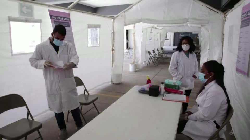 Cuban and Venezuelan medics treat migrants near U.S. border