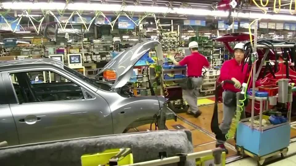 Renault, Nissan deepen ties in bid to survive