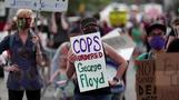 燃え上がる米ミネアポリス、黒人男性死亡に対する抗議デモ拡大(字幕・29日)