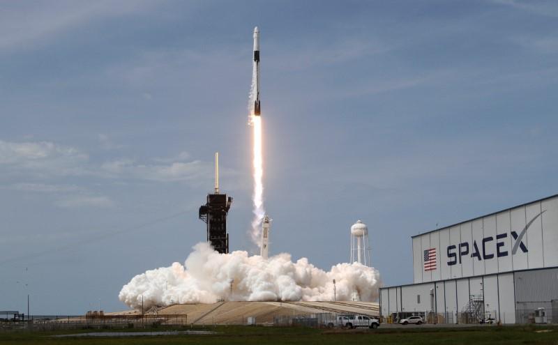 米が9年ぶり有人宇宙飛行、初の民間船をISSへ