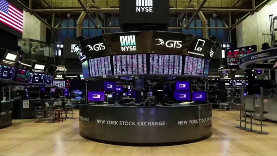 Economic hope, tech love lift Nasdaq to record