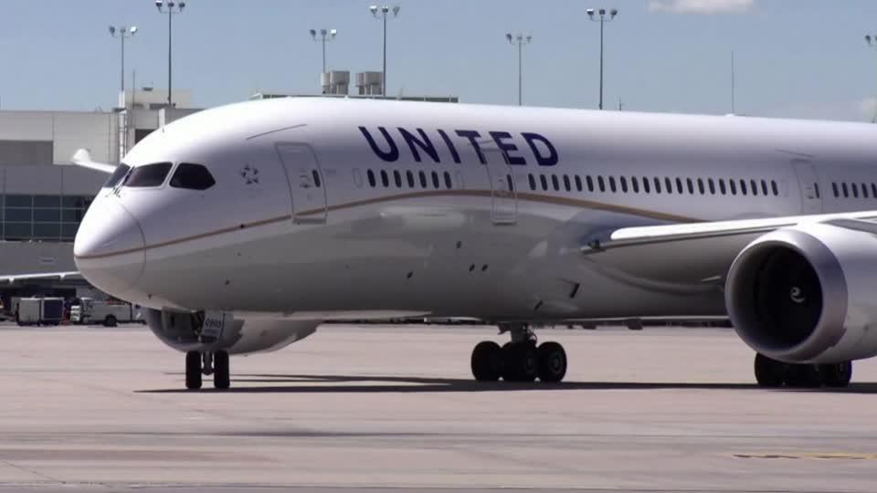 U.S. airlines to accept billions in federal loans