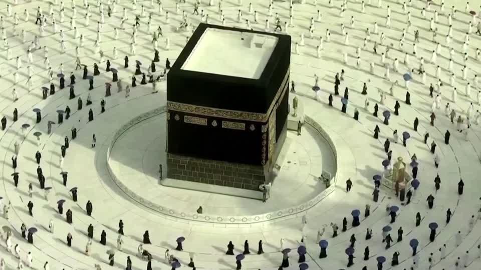 The chosen few enjoy Mecca's Haj pilgrimage