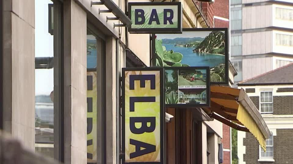 London bar owner fears for 'zombie' industry