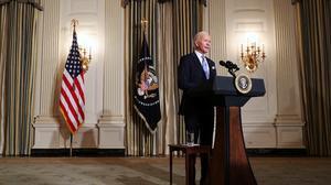 """拜登就任美国总统 呼吁结束""""非内战之战"""""""