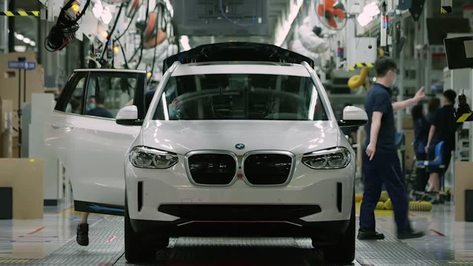BMW bets it can beat global chip shortage