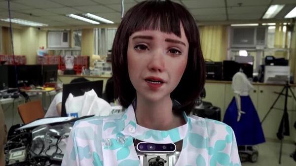 やさしい病院職員、実はロボット?医療向けヒューマノイドを開発(字幕・10日)