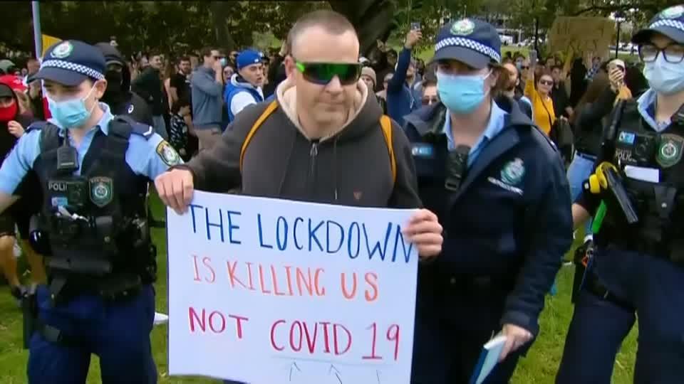 Anti-lockdown protest turns violent in Sydney
