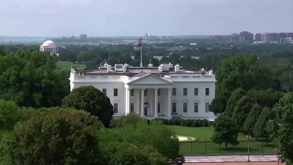 White House steps up pressure to raise debt limit