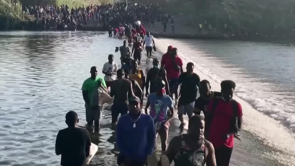 U.S. removes Haitian migrants at Mexico border