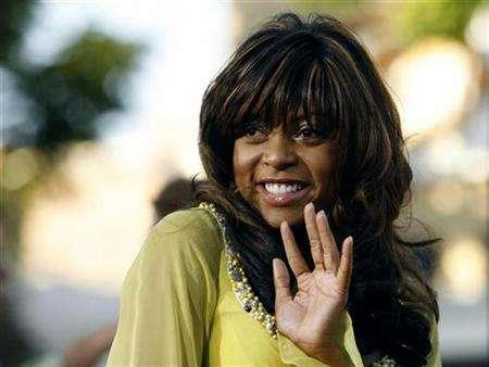 Taraji P. Henson waves at the screening of ''Talk to Me'' at the Mann Village theatre during the opening night for the 2007 Los Angeles Film Festival in Los Angeles June 21, 2007. Henson is joining the cast of David E. Kelley's legal comedy-drama ''Boston Legal'' as a regular. REUTERS/Mario Anzuoni