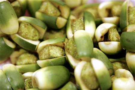 Betel nut cancer link takes buzz out of Taiwan tradition