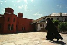 <p>Une dizaine de femmes ont pénétré sur le territoire du mont Athos, dans le nord de la Grèce, un événement rarissime depuis la fondation de cette communauté monastique il y a plus d'un millénaire. /Photo d'archives/REUTERS</p>